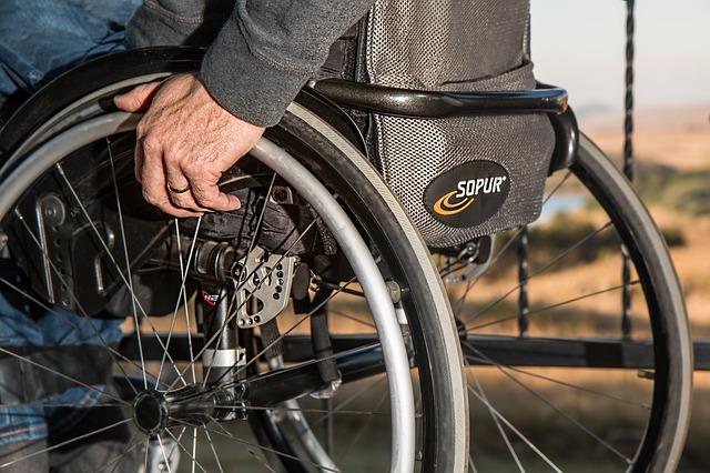 Dans la peau d'une personne en situation de handicap