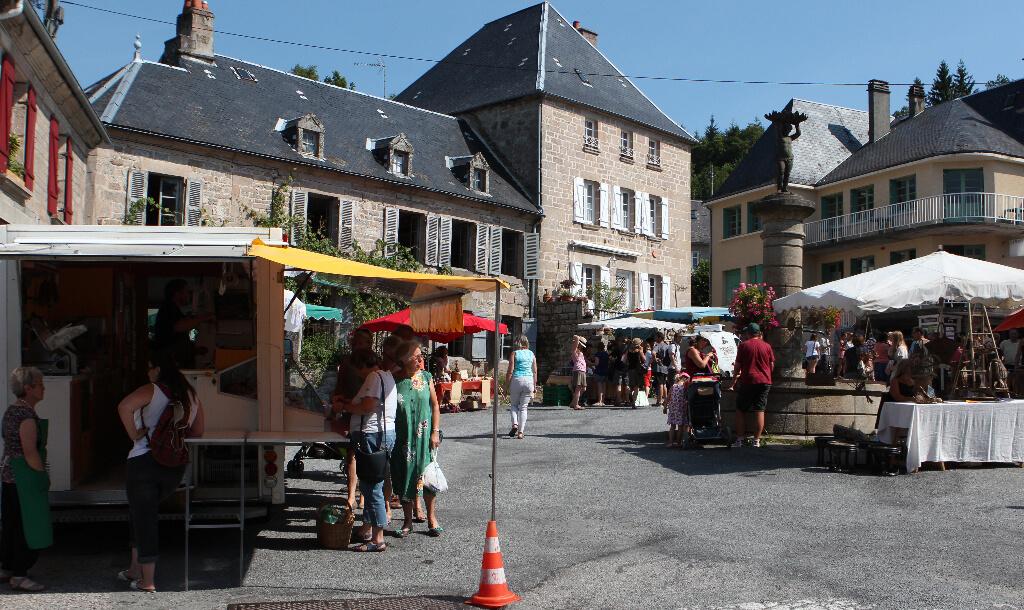 Commerce à Faux-la-Montagne